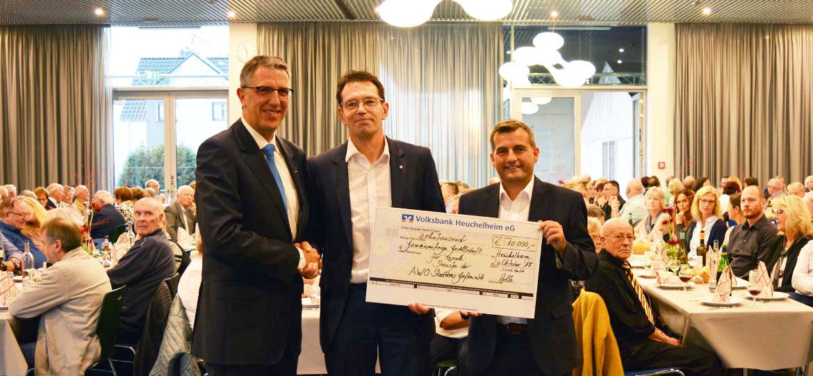 Technology company celebrates Windhoffest and presents a donation of € 10,000
